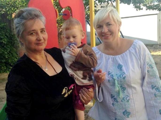 Ірина Сех передала кошти для сім'ї важкопораненого льотчика Сергія Тітаренка