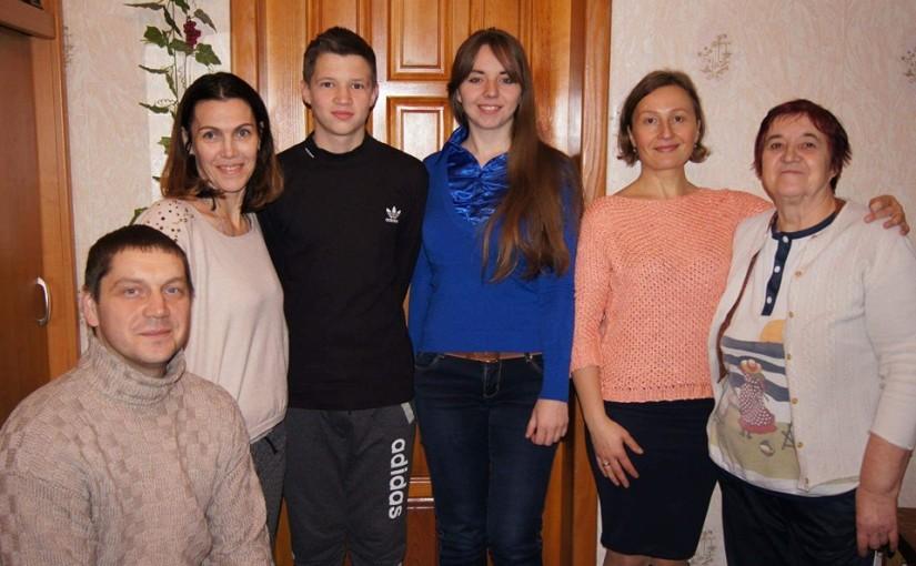 Черкаська «Яворина» передала дарунки дітям загиблого кіборга Анатолія Чупилки