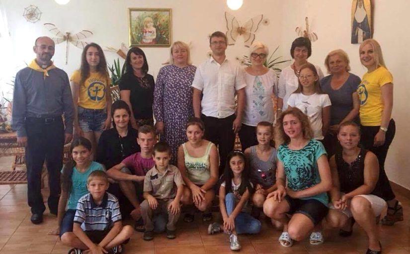 Переможниця конкурсу «Караоке на селі» подарувала свій приз дитячому будинку