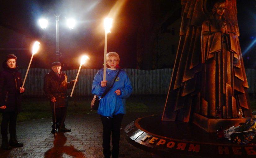 У Бродах відбувся смолоскипний хід на честь сторіччя подвигу Героїв Крут